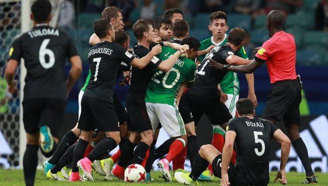 Мексика вырвала победу у Новой Зеландии