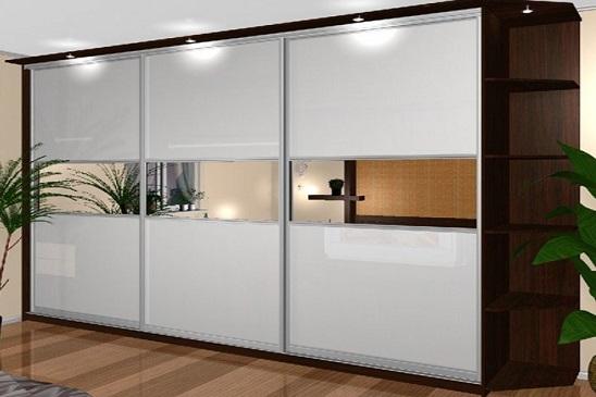 Конструкция, плюсы и минусы угловых шкафов-купе